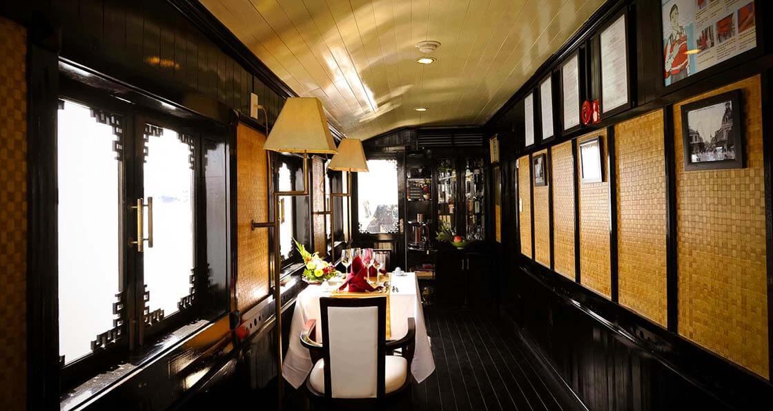 Bhaya Legend 1 cabine 01 restaurant