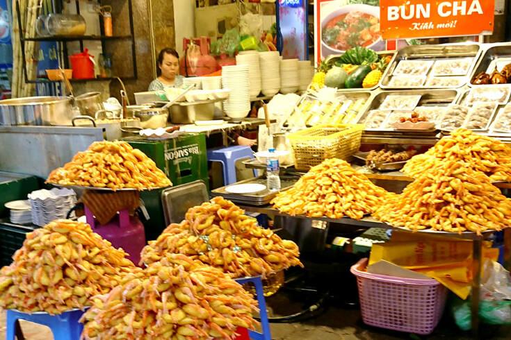 Gâteau aux crevettes autour du lac de l'Ouest Hanoi