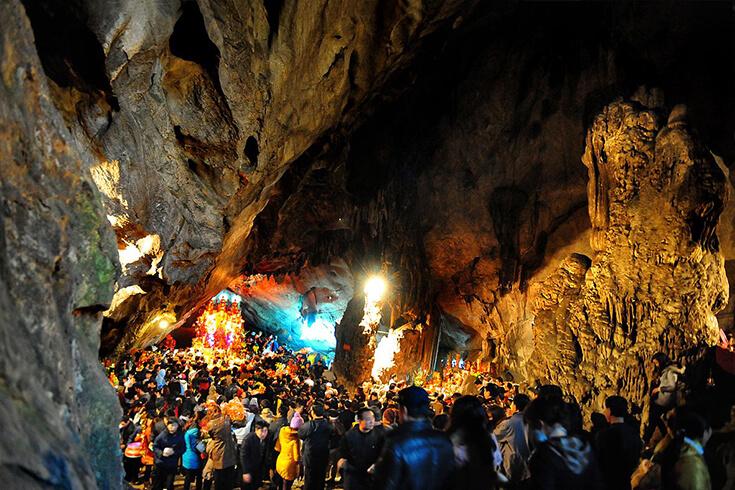 Grotte de Huong Tich (Động Hương Tích)