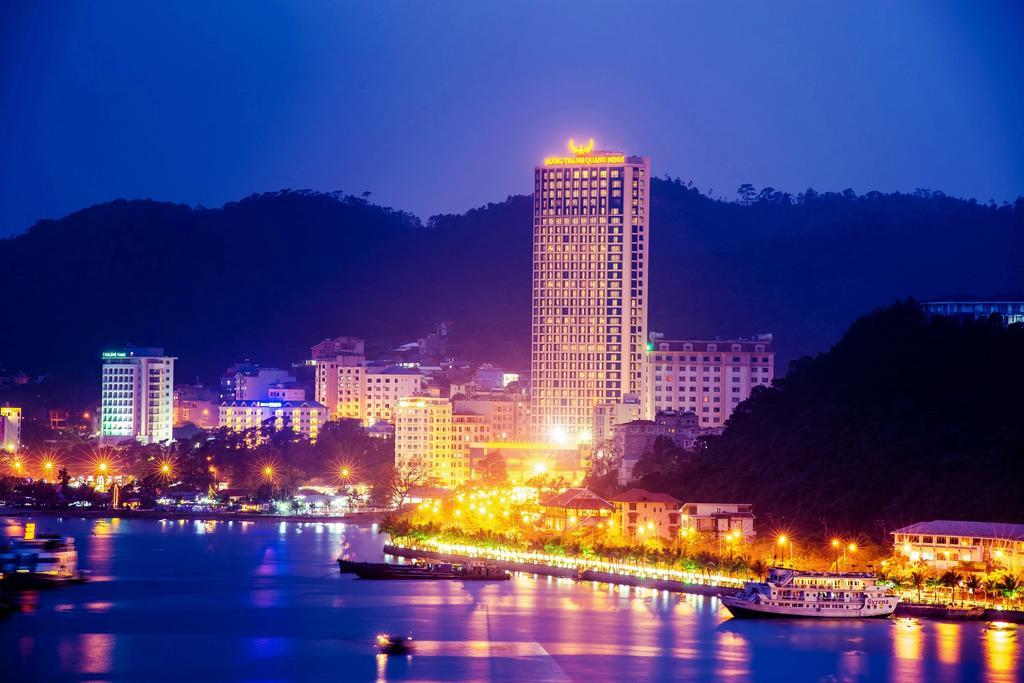Hôtel dans la ville d'Halong