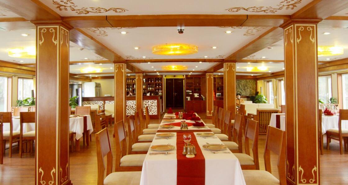 Jonque Huong Hai Sealife restaurant
