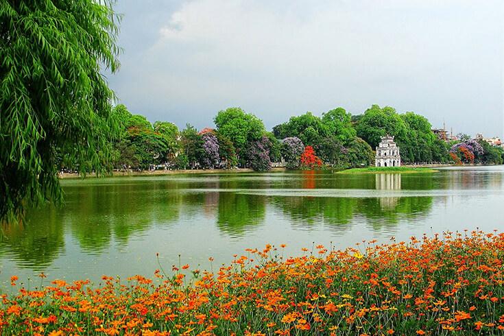 Promenade autour du lac Hoan Kiem