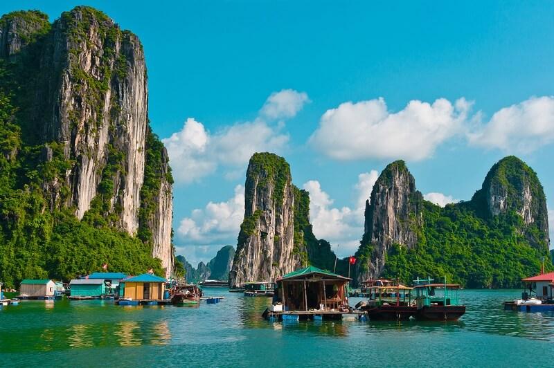 Village flottant de pêche de Vung Vieng
