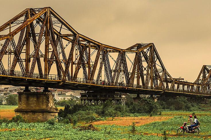 Visite du pont de Long Bien