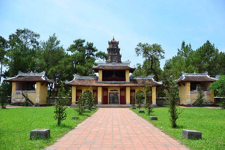Contruction et restauration de la pagode de la dame céleste