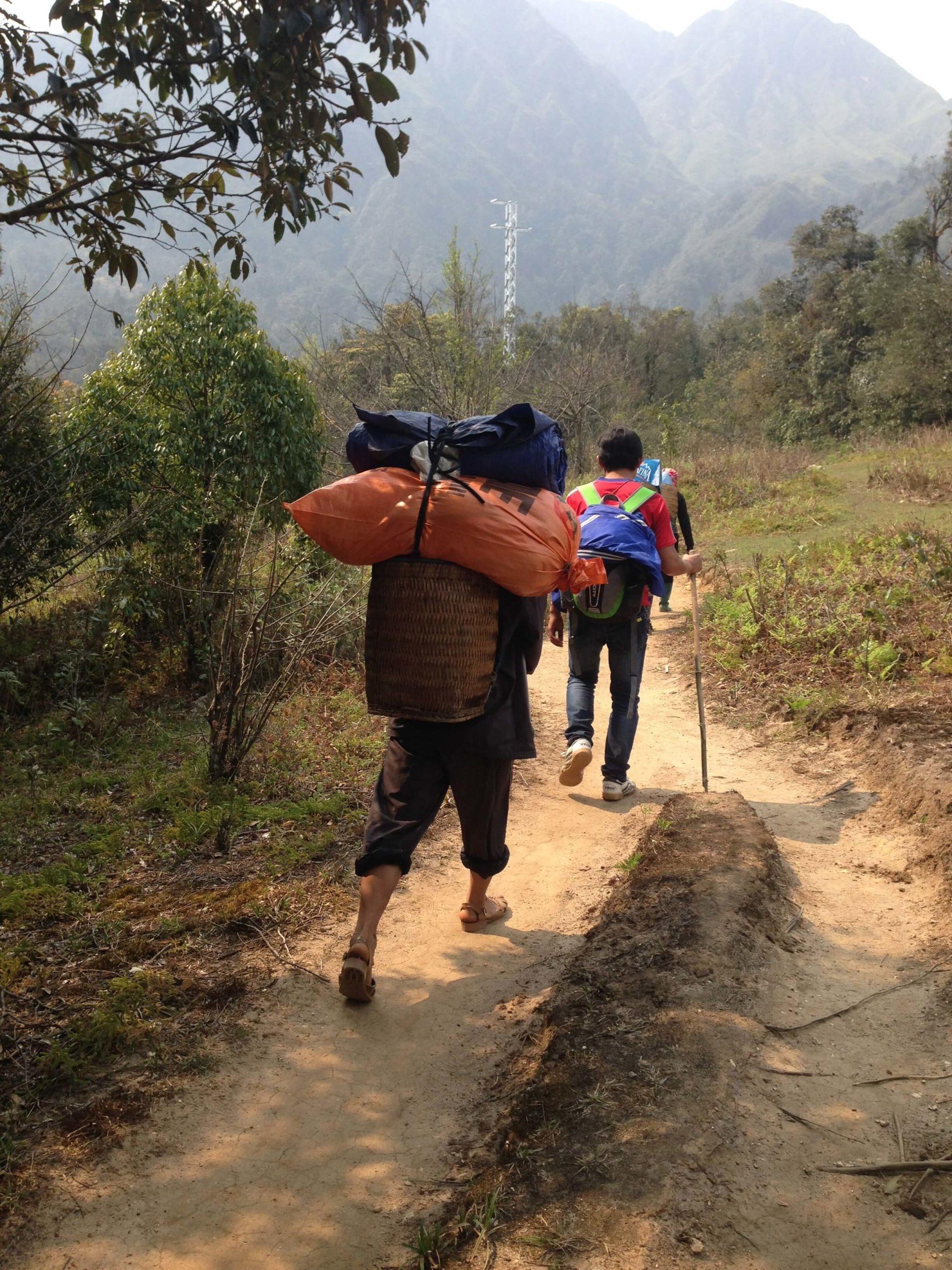 Guides et porteurs au mont fansipan