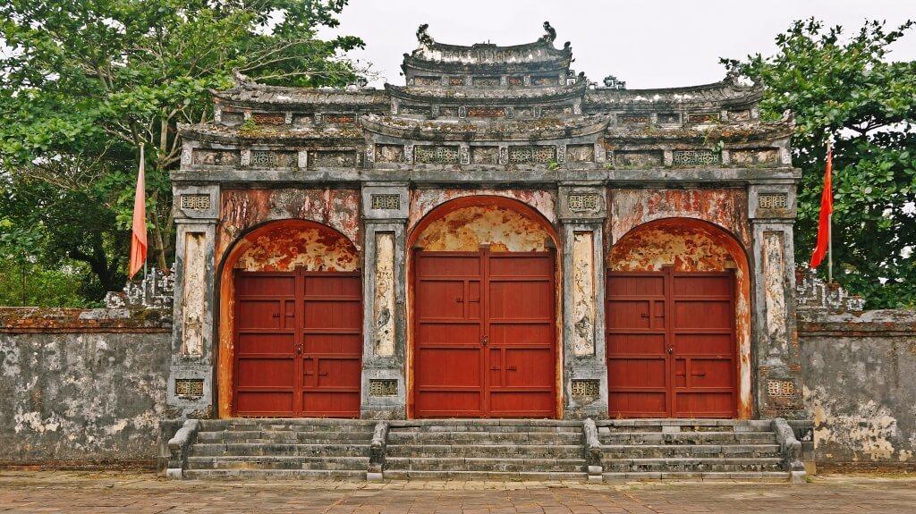 L'entrée du tombeau Minh Mang