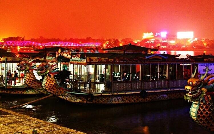 Notre programme de la visite de la rivière des Parfums de Hue