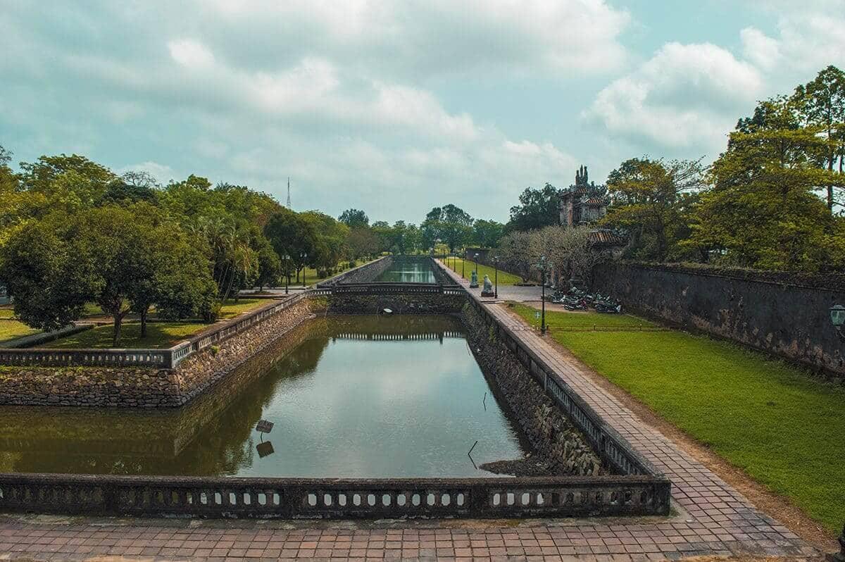 Partir en voyage organisé ou organiser soi-même son voyage dans la cité impériale Hué