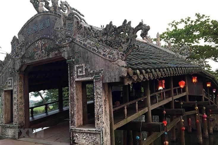 Pont couvert de Thanh Toan