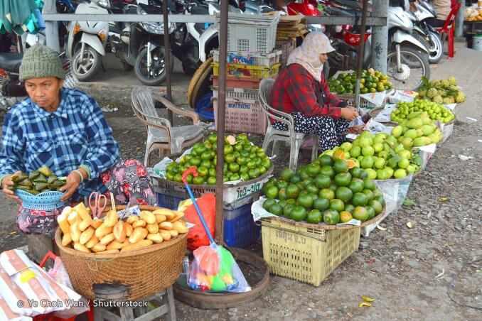 Shopping au Marché de Dong Ba