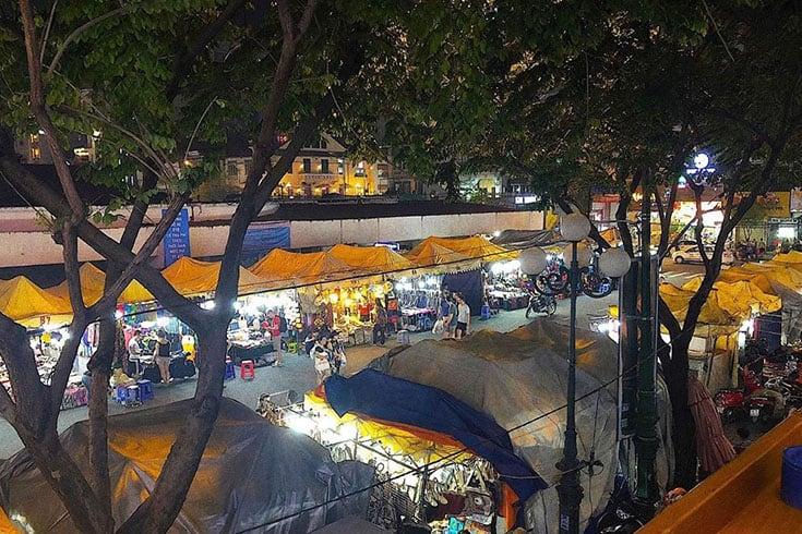 Architecture et aménagement du marché Ben Thanh