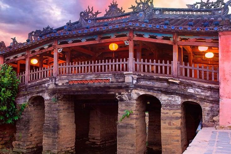 Autour du pont japonais