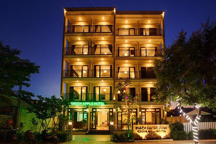 Green Apple Hotel