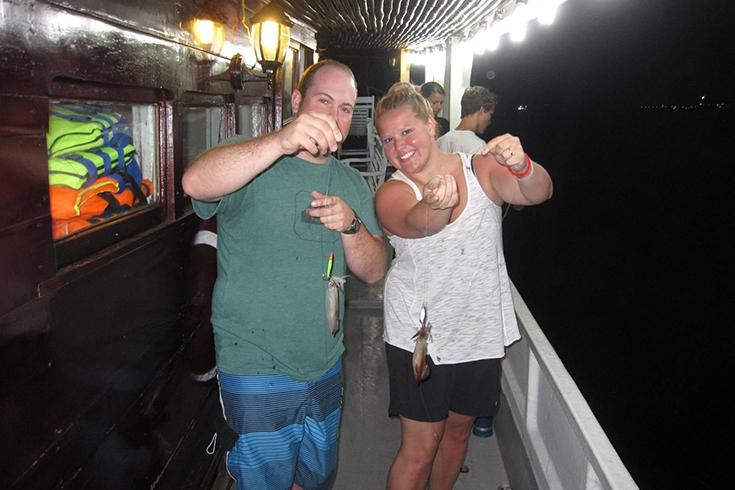 Pêche au calmar de nuit