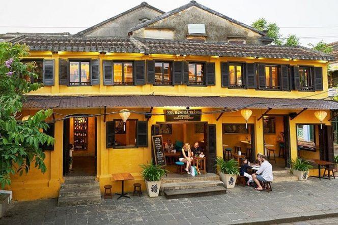 Restaurant White Marble Wine Bar