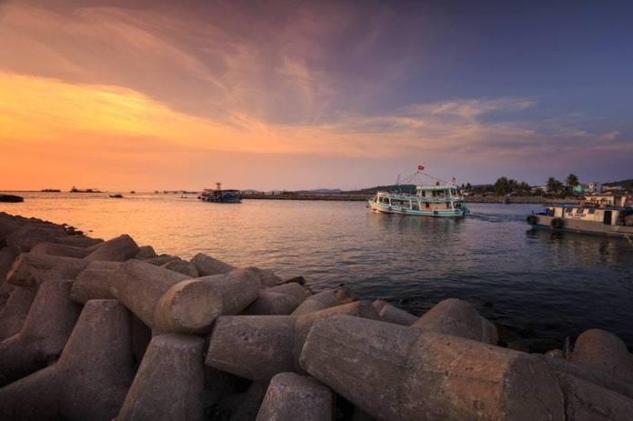Aller à la pêche au coucher du soleil